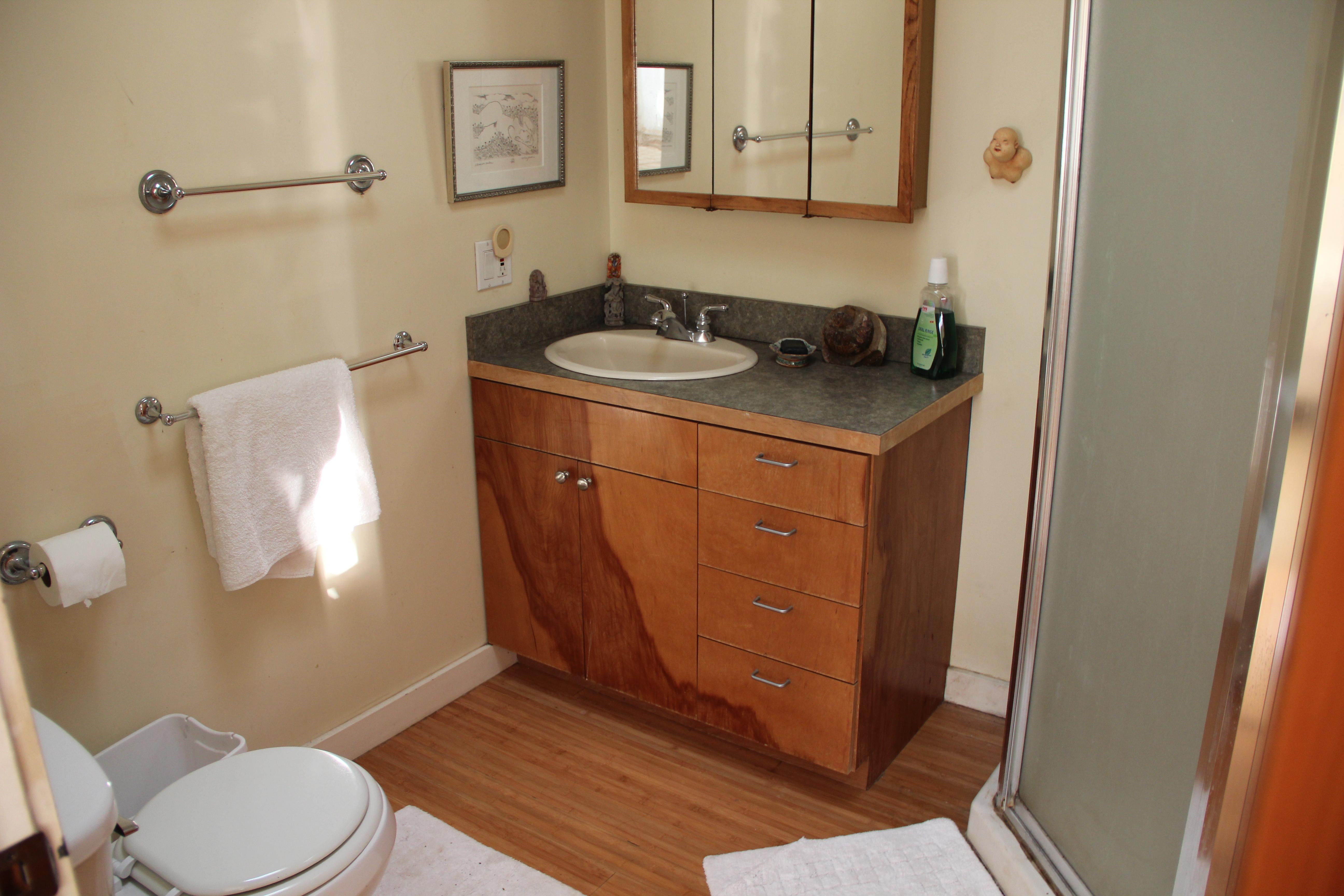 Big Island Sunset Suite Bathroom
